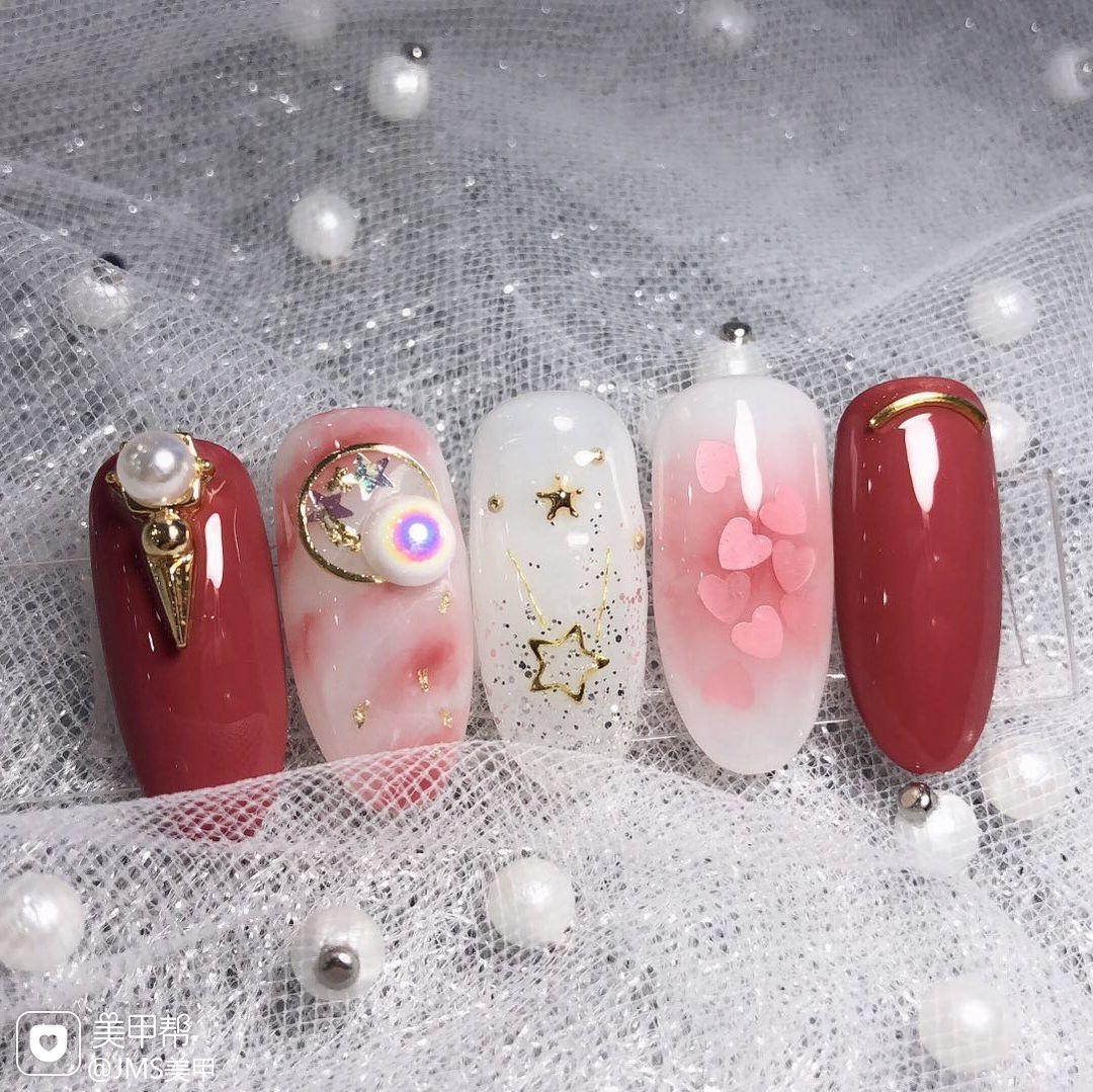 圆形红色粉色白色手绘晕染珍珠新娘金属饰品美甲图片