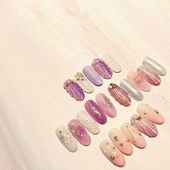 圆形粉色紫色手绘贝壳夏天星月美甲图片