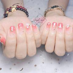 方形新娘简约红色粉色星月星月美甲星月甲美甲图片