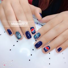 方圆形简约红色蓝色白色夏天可乐最新可乐(^^)美甲图片