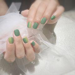 方圆形绿色渐变竖形渐变美甲图片