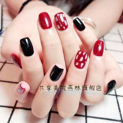 方圆形简约红色黑色贝壳片美甲图片