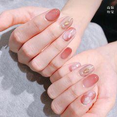 日式圆形粉色豆沙色晕染贝壳片美甲图片