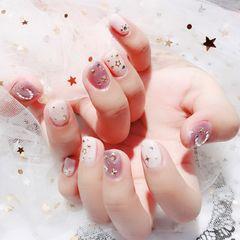 方圆形粉色白色星月美甲图片