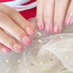 渐变粉色方圆形金箔星月美甲图片