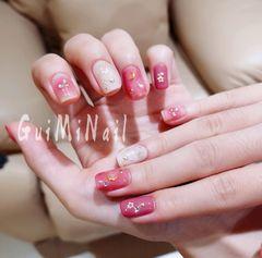 方圆形日式粉色白色星月美甲图片