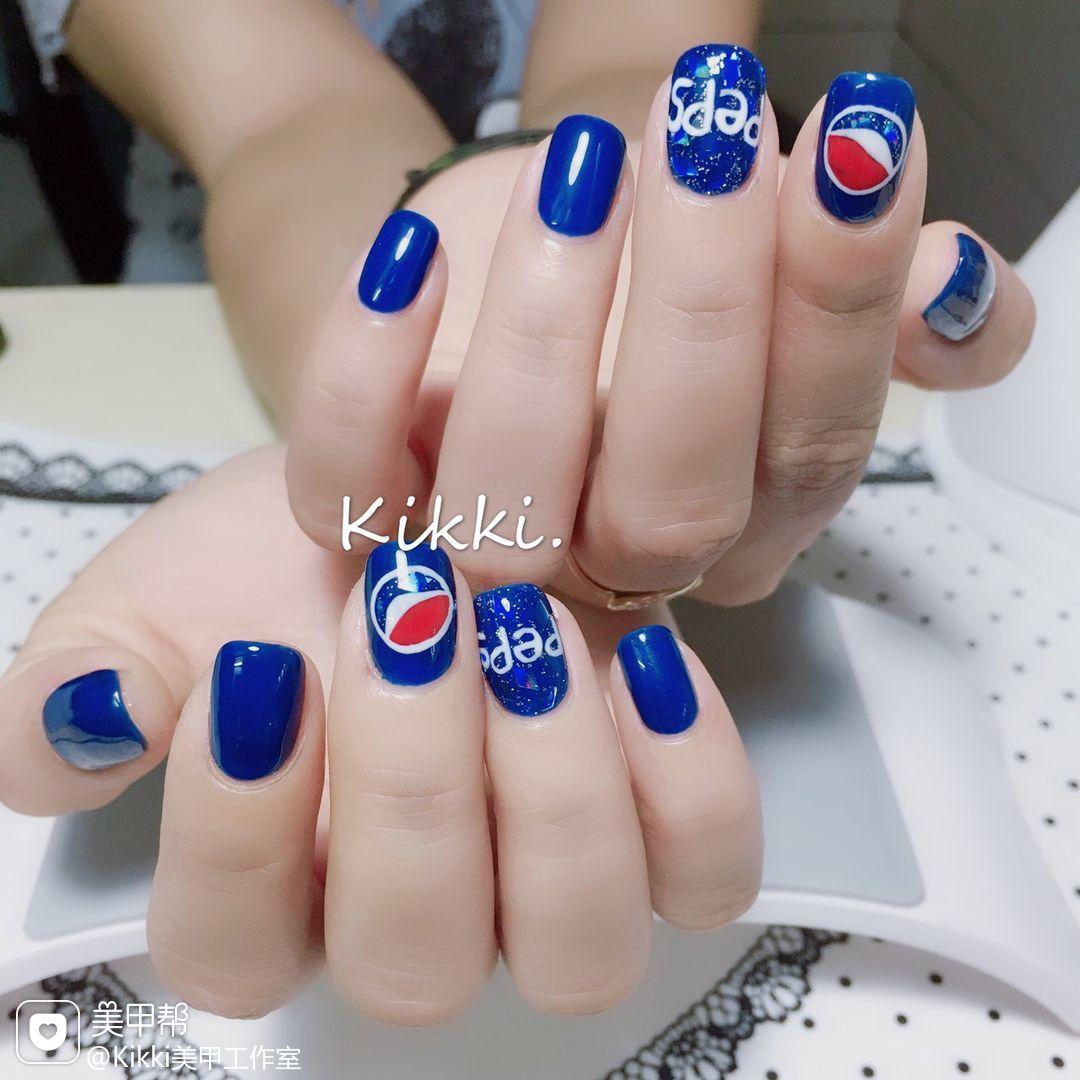 手绘蓝色方圆形夏天可乐#百事可乐美甲图片