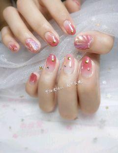 圆形日式渐变红色粉色金色贝壳#渐变#星月#美甲图片