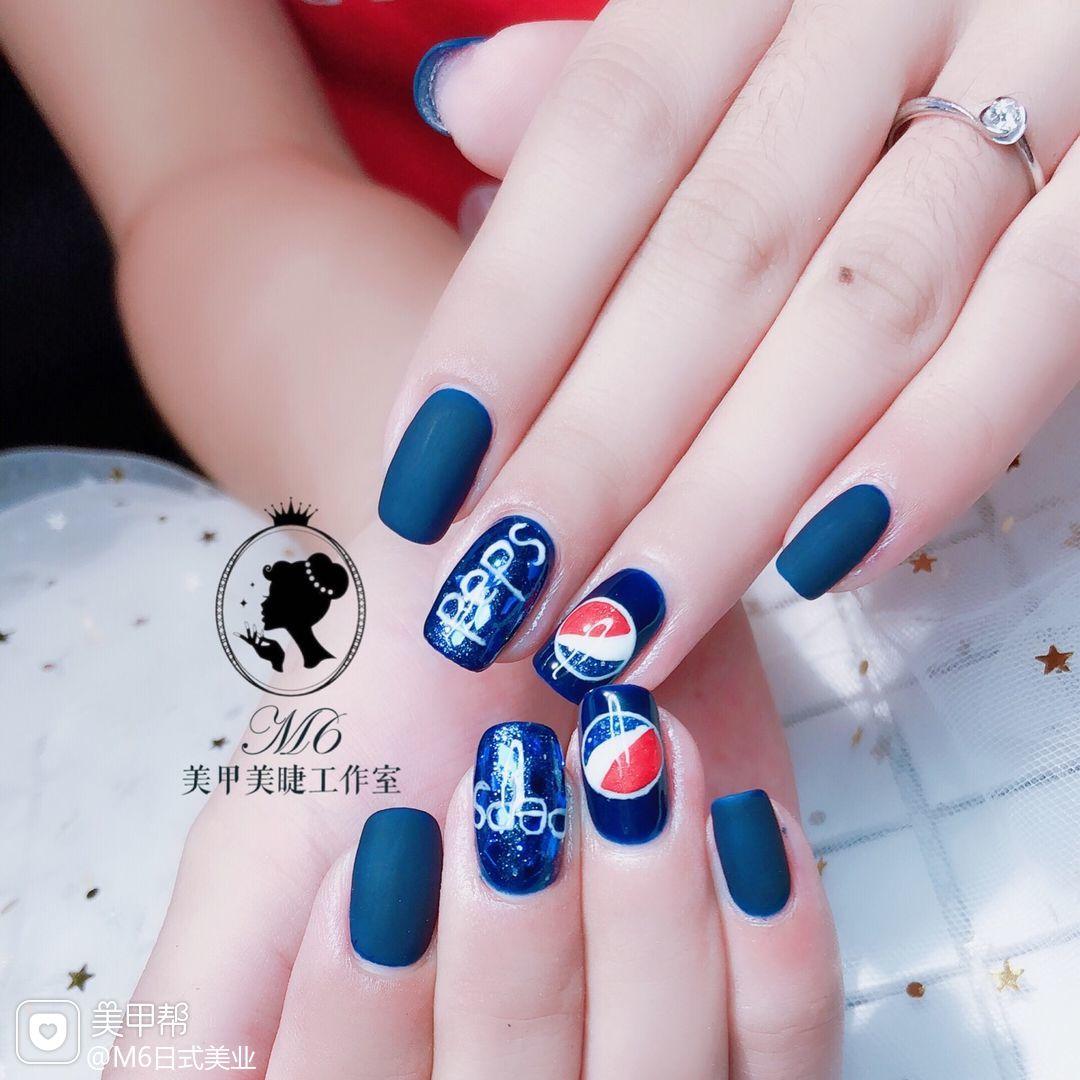 方形手绘蓝色夏天可乐磨砂#可口可乐美甲图片