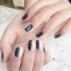 圆形日式黑色灰色竖形渐变美甲图片