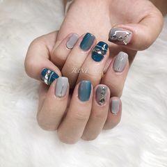 方形简约蓝色灰色钻竖形渐变灰蓝搭配钻美甲图片