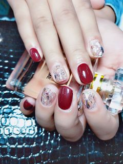 方形简约韩式红色银色棕贝壳真的超级亮呢美甲图片