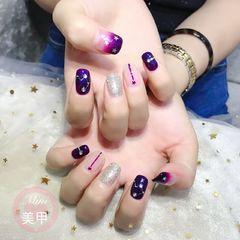 方圆形手绘渐变深紫色  星月甲美甲图片