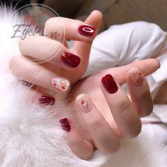 方圆形新娘韩式红色贝壳 金箔美甲图片