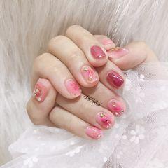 方圆形粉色白色裸色星月晕染星月 魔镜 晕染 粉色少女心美甲图片