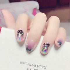 方圆形简约渐变绿色金色黑色紫色碎玻璃韩式简约大方好看,一闪一闪亮晶晶……美甲图片
