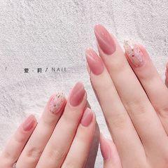 圆形简约韩式粉色白色贝壳片金箔猫眼上班族美甲图片