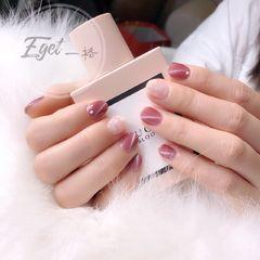 圆形新娘韩式粉色白色猫眼美甲图片