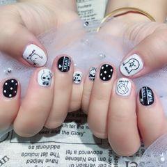 圆形黑色白色可爱贴纸波点短指甲美甲图片