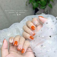 圆形简约日式银色白色橙色南瓜色美甲图片
