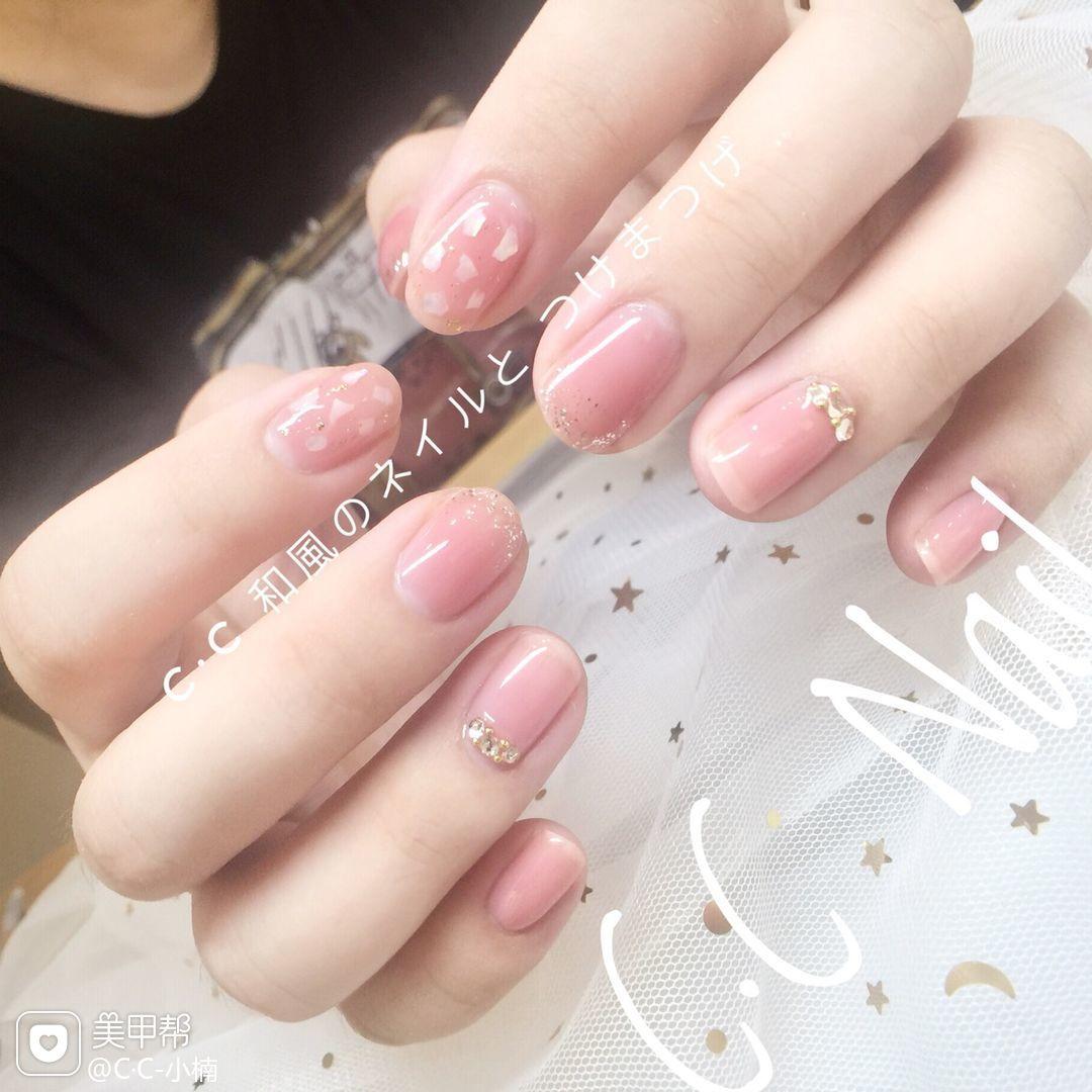 方圆形新娘日式粉色贝壳片简约上班族美甲图片