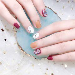 方圆形红色白色焦糖色手绘晕染石纹贝壳片跳色磨砂美甲图片