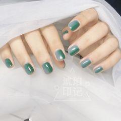 方圆形日式竖形渐变绿色灰色美甲图片