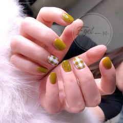 方圆形简约韩式绿色银色美甲图片
