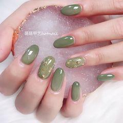 圆形绿色星月美甲图片