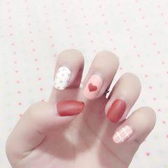 可爱圆形红色粉色白色心形波点磨砂日式小清新风格美甲图片