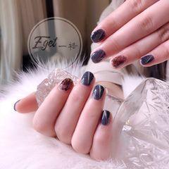 方圆形简约韩式蓝色猫眼美甲图片