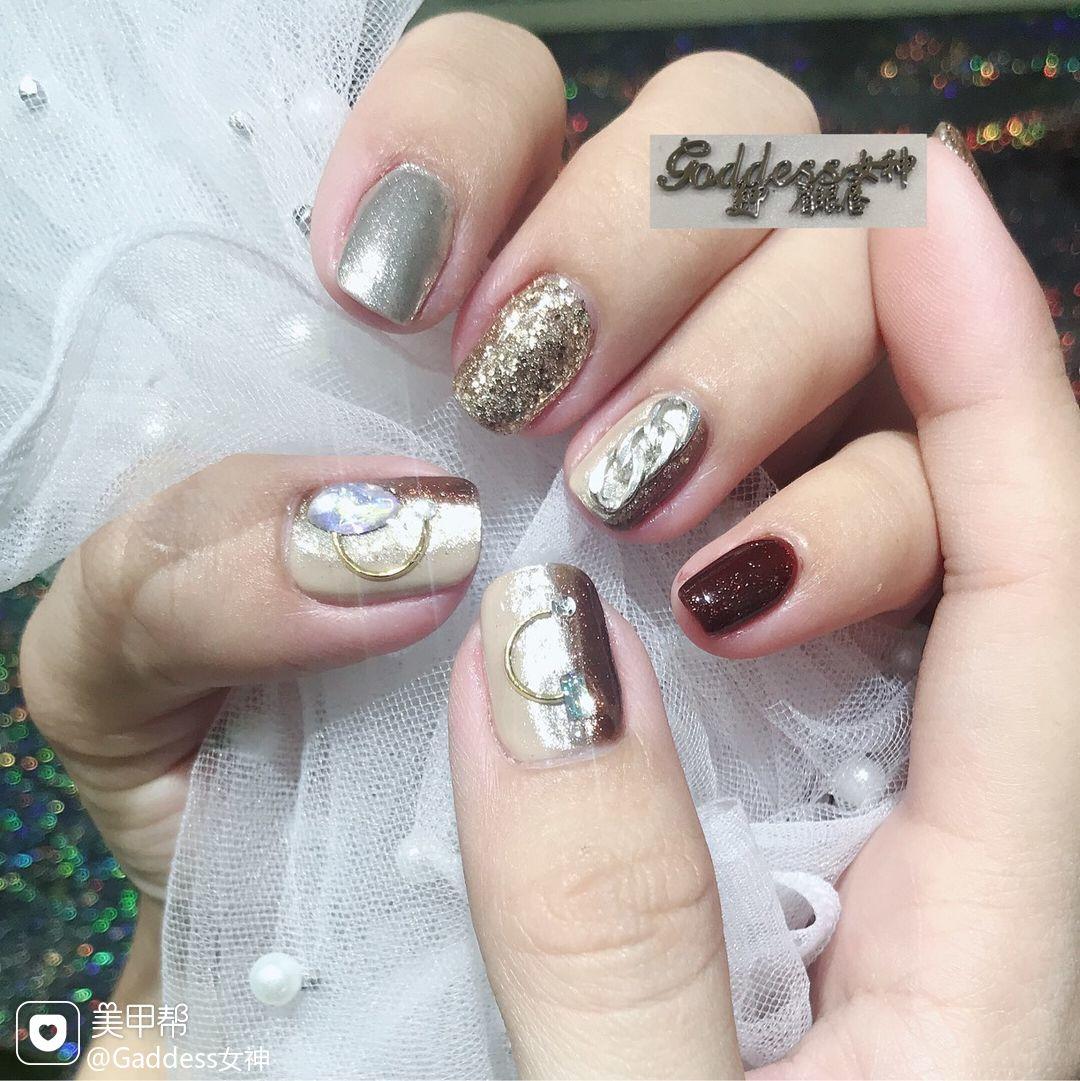 方形日式金色银色金属饰品竖形渐变美甲图片