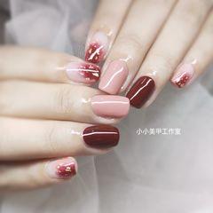 方圆形日式红色裸色美甲图片
