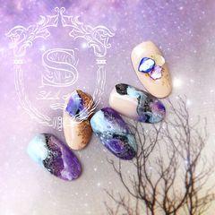 圆形日式手绘紫色裸色美甲图片