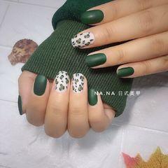 方圆形日式手绘绿色白色裸色磨砂  豹纹美甲图片