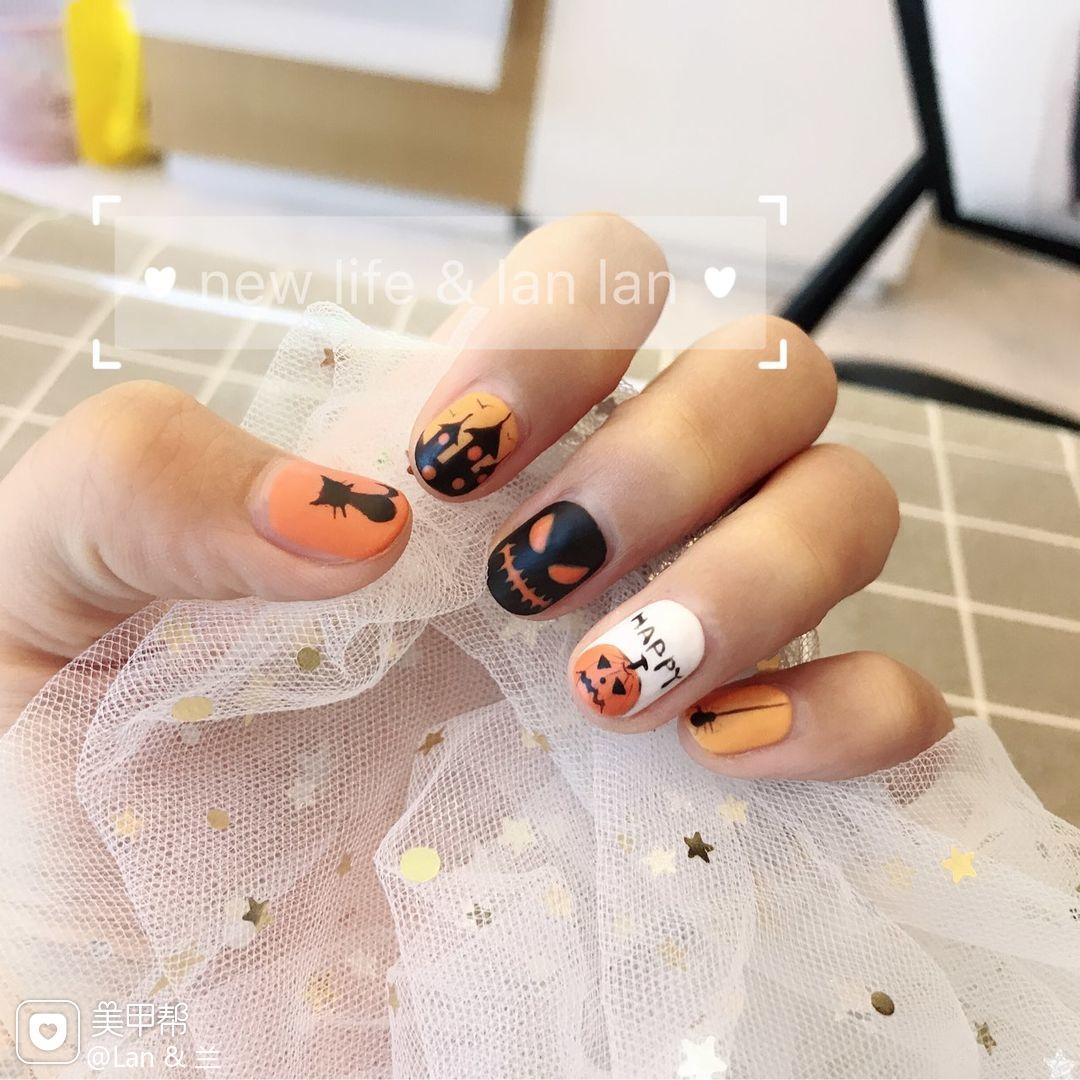 手绘方圆形黑色白色橙色磨砂万圣节万圣节 南瓜🎃 美甲图片