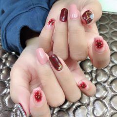 方圆形韩式红色粉色晕染新娘美甲图片