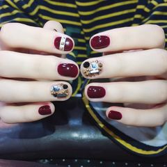 圆形简约韩式红色金色黑色钻美甲图片