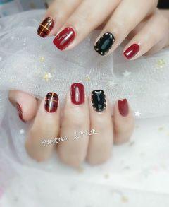 方圆形手绘韩式红色黑色格纹格纹#线条#美甲图片