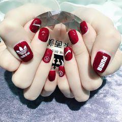 方形简约韩式红色贴纸运动风显白月度收藏量最高英文美甲图片