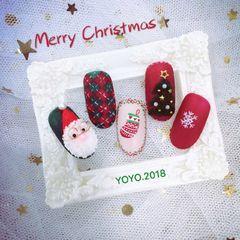 Merry Christmas *运用了雕花❀彩绘 +线条+🎄树是用绒毛粉做的美甲图片