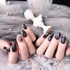 简约日式黑色灰色圆形猫眼美甲图片