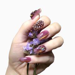 钻方圆形紫色猫眼美甲图片