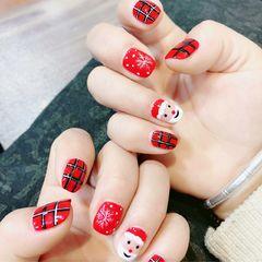红色圣诞方圆形手绘格纹美甲图片