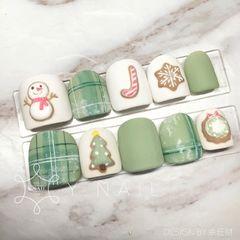 绿色方圆形格纹日式磨砂圣诞手绘超級聖誕feel🎄 *你算哪塊小餅乾*的創作 大家都好喜歡🌚🌝🌚美甲图片