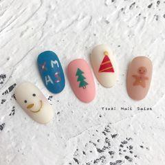 圆形日式圣诞蓝色粉色手绘磨砂美甲图片
