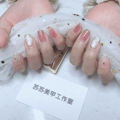 方圆形日式白色粉色晕染简约上班族很仙的晕染美甲美甲图片