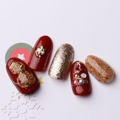圆形红色金色日式圣诞木屑粉美甲图片