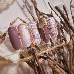 日式钻圆形紫色手绘毛呢美甲图片