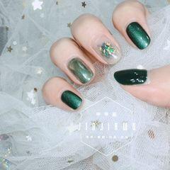 绿色圆形猫眼金箔美甲图片